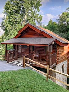 Genuine Cozy Getaway Cabin for Couples or Small Family 334