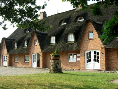 Photo for Thatched Seeschlößchen, FeWo Lachmöwe, only 200m to the beach, Wi-Fi