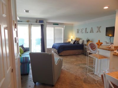 Condo 8202- Pet-Friendly Studio with a partial gulf view & free beach  service - Holiday Isle