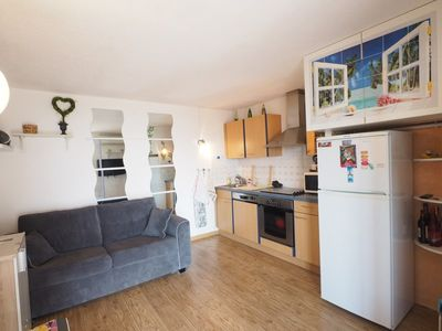 Photo for 2 bedroom fully equipped with parking in Port Royal