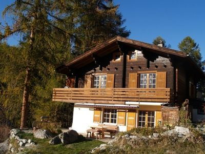 Photo for Cosy and quiet family chalet with a view of 2 glaciers