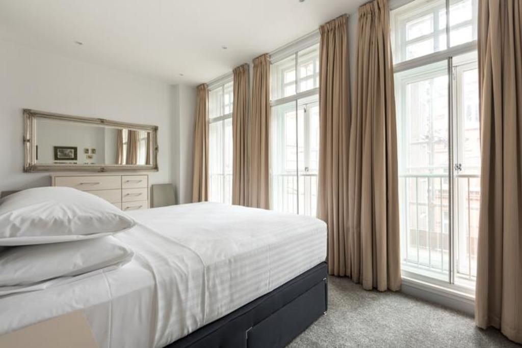 London Home 204, How to Rent Your Own Private Luxury Holiday Home in London - Studio Villa, Sleeps 4