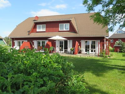 Photo for Quiet holiday home with a sauna and WiFi on a large plot in Wieck