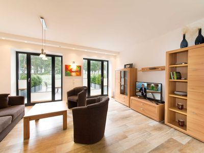 """Photo for Apartment """"A02"""" 96 m², 3 bedrooms to 8 adults + 1 child (up to 3 years) - A02 beach residence apartment in Prora"""