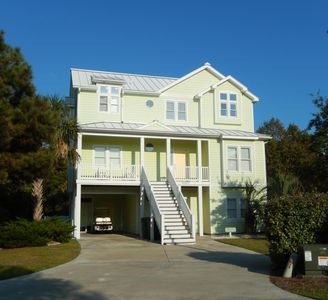Photo for Large family house w private pool, golf cart, easy beach access