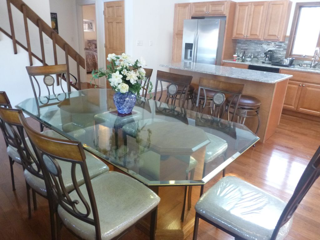 DINING TABLE SEATS 8 10