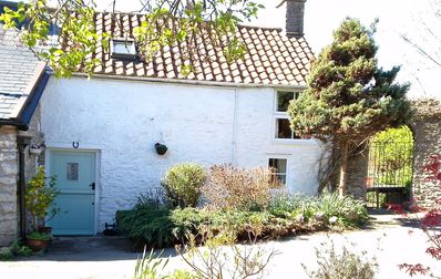 Photo for Pretty cottage betweens Wells, Cheddar and Glastonbury. Dog and child friendly