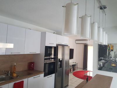 Photo for Apartment 90 m² air-conditioned, 4 bedrooms 200 meters from the beach