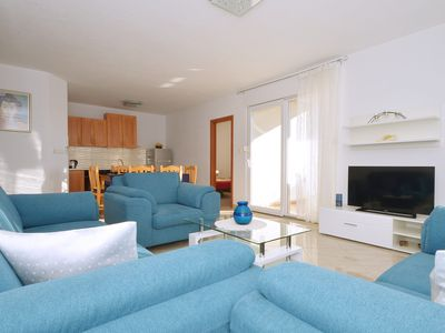 Photo for LOOK 1, comfy apartment for 6+1 persons, 300m from a beach
