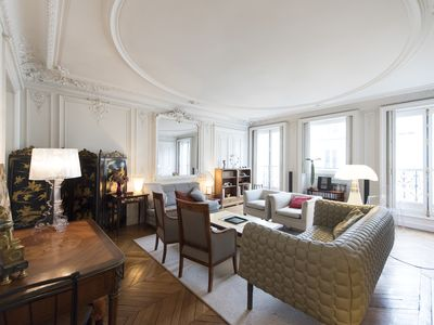 Photo for Bright & beautiful Parisian home located in the chic Montmartre area (Veeve)