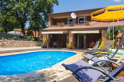 Modern Holiday house - private pool, children's playground, parking, garden, quiet area - 2