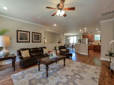 Photo for Stayloom's Classic Luxury Home   Old East Dallas