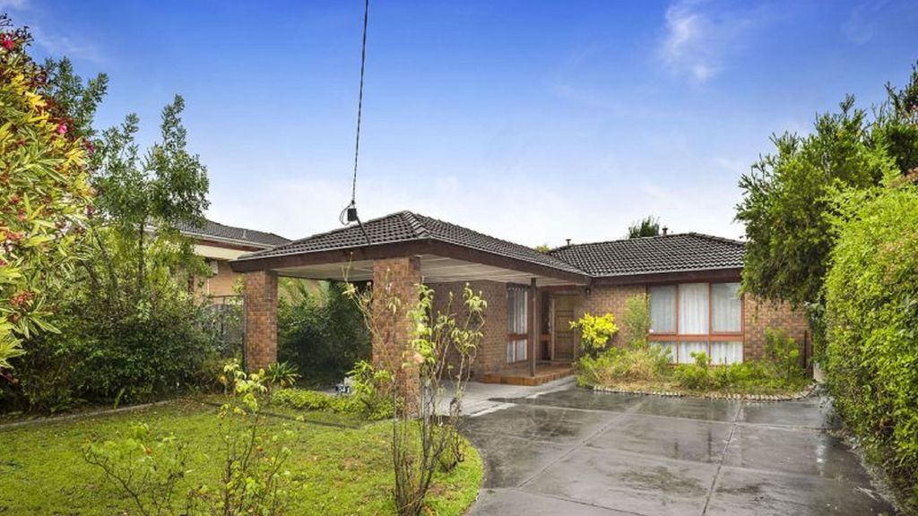 Caulfield 5 bed Home ~ Princes Park ~ 10km to CBD!
