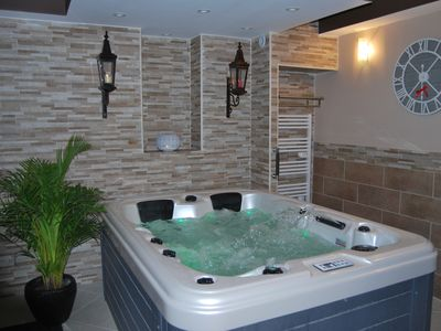 "Photo for ""LA DOLCE VITA"" jacuzzi suite"
