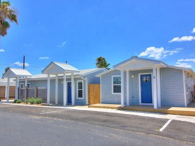 Photo for The cutest one bedroom cottage in all of Port Aransas!