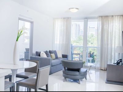 Photo for ASK US FOR DISCOUNTS - Stylish 1/1 Brickell / Downtown Miami Condo 10 Minutes from Nightlife