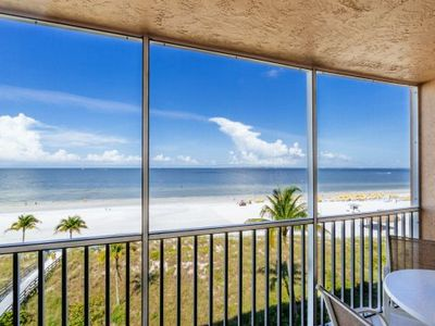 Photo for Welcome to Beach Villa's # 402 Vacation Rental