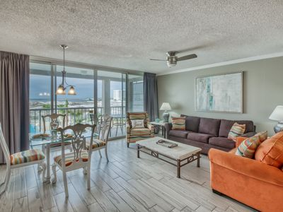 Photo for FREE Activities! 2 Bikes Included. Located in the Heart of Destin! Remodeled.