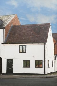 Photo for Charming Cottage in Tewkesbury Town Centre * Sleeps 2/3 * Full of Character