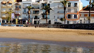 Photo for Beach and Garden. Beautiful apartment with 2 terraces on the seafront