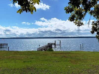 Deep water Lake Marion house.  4BR 2.5BA. Fish off dock. Nearby Golf. SUNSETS