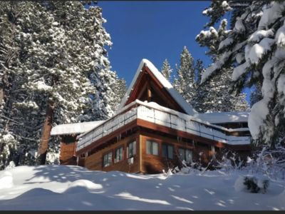 Photo for Stunning Mountain Cabin 5 mins to Downtown Truckee