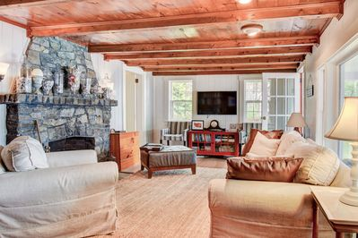 Living Area - Your TurnKey rental combines the amenities of a boutique hotel with the comforts and privacy of your own home.