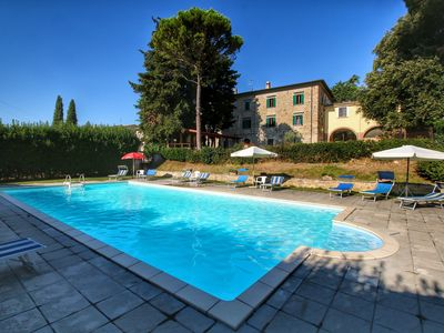 Photo for Beautiful Farmhouse with Jacuzzi in Umbria