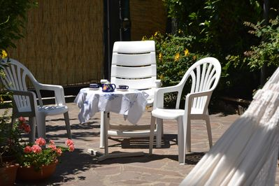 Enjoy breakfast in the garden! Villa located in the unspoilt Basilicata region.