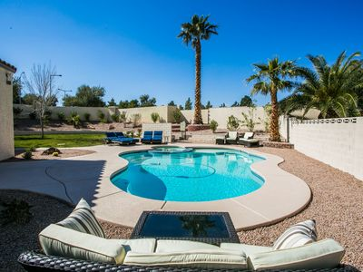 Resort Style with Private Pool close to Red Rock Canyon and the Strip