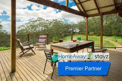 [Premier Partner] : A deck with a view any season - it's the place to be!
