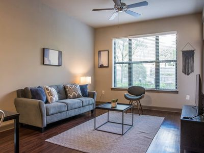 Photo for Clean + Modern 1BR Apt near Arts + Dining
