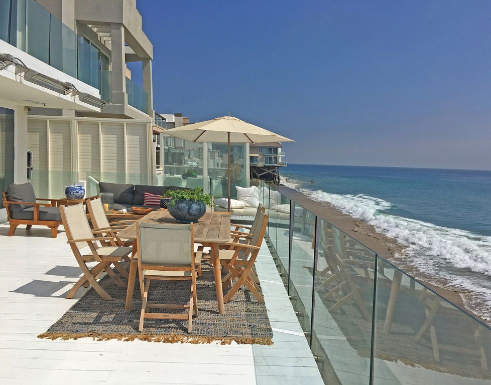 Beautiful Luxury Malibu Beach Front Property