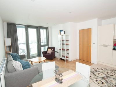 Photo for Modern 2BR Apartment in Trendy East London