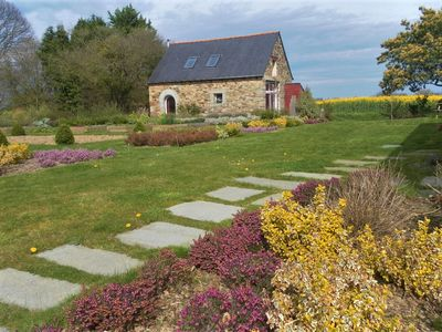 Photo for Cottage 4/6 pers. 2 steps from the Mountains Arre and the Côte de Granit Rose