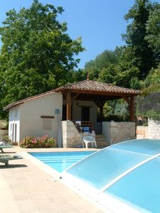 Photo for Cottage and pool, beautiful view, near Bergerac