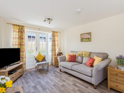 Photo for Stunning Cotswolds Mews Home in Broadway Village