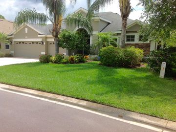 Beautiful Five Bedroom House In Gated Community Close To Dining And Shopping .