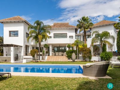 Photo for Villa Palacio - Eight Bedroom Villa, Sleeps 18