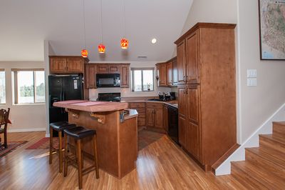 Full Kitchen, gas stove, dishwasher, coffee maker, coffee grinder, toaster