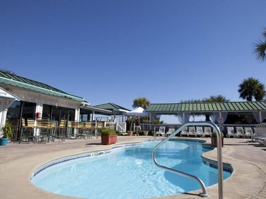 Vrbo Tybee Island 1 Bedroom 3 Bedroom 2 Bath Luxury Condo 3 Pools Vrbo
