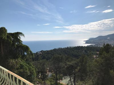 Photo for Splendid sea view on the heights of Carqueiranne
