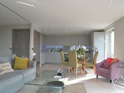Photo for Luxurious 2 bedroom flat in Battersea!