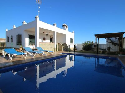 Photo for spacious 3 bedroom home for 6 persons near Fuente del Gallo/Conil, with private pool and garden, with central aircon and Wifi, near to the beaches