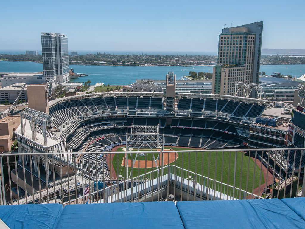 Downtown San Diego Hotels Near Petco Park