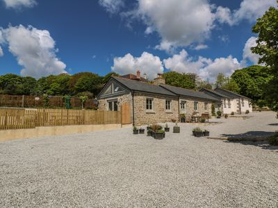 Photo for BUTTERCUP BARN, pet friendly in Mawnan Smith, Ref 986487