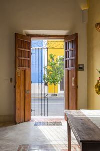Entrance on Calle 70