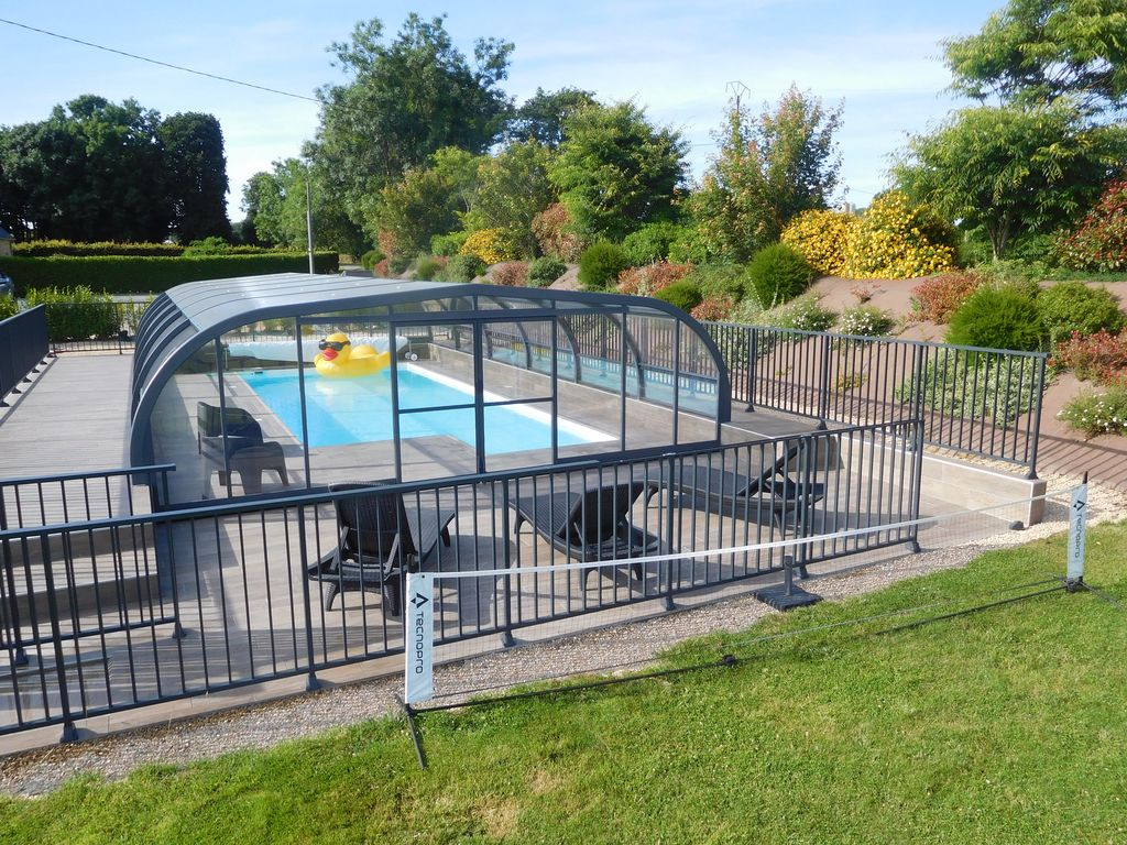 CHARMING GITE 4 STARS WITH COVERED SWIMMING POOL - Plonéour-Lanvern