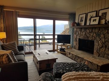 Charming Get Away With Incredible Lake And Mountain Views