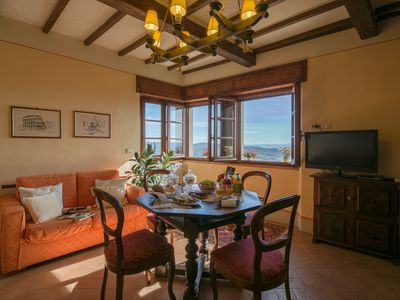Photo for 3BR-3BA apt, walk to downtown Cortona, with airco, wifi and amazing view